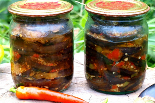 Писал(а): баклажаны на зиму дешевая, простая и очень вкусная заготовка баклажанов на зиму.